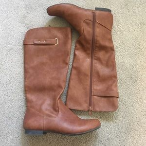 Style & Co Shoes - Style&co Boots Size 5