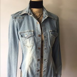 Light denim stretch jean jacket large