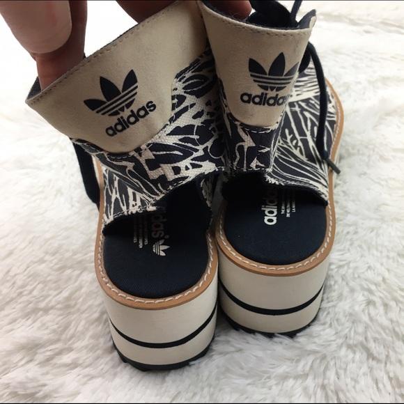 ab5460df8b6ac Shopstylepixie Adidas NMD R1 X Gucci