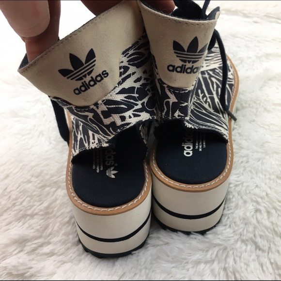 Adidas NMD R1 Black Mesh White Sole Grey Stripes UK6.5 US7