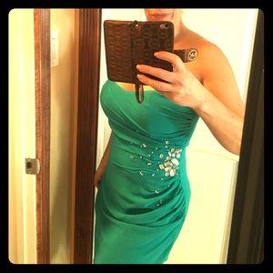 Lipsy London Dresses & Skirts - 🔷Beaded Asymmetrical Dress