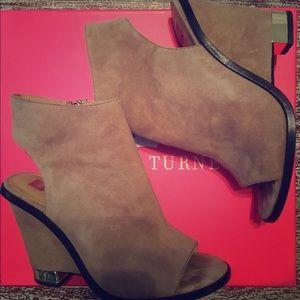 Elaine Turner Shoes - Elaine Turner Nyomi Wedge