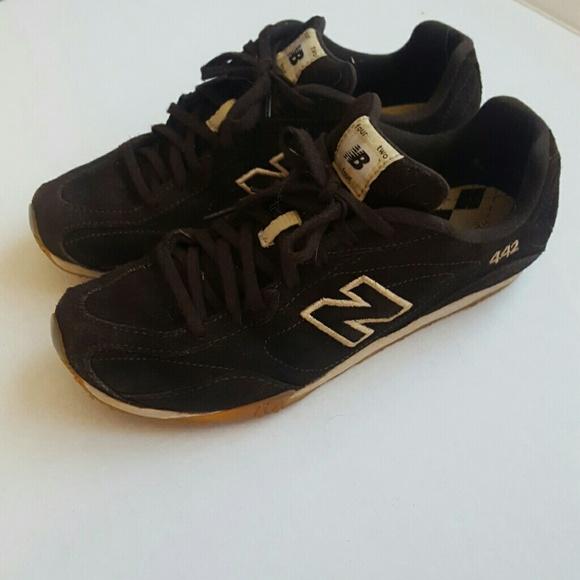 meilleure sélection 76d94 369d7 New Balance 442 brown sneakers / tennis shoes NB