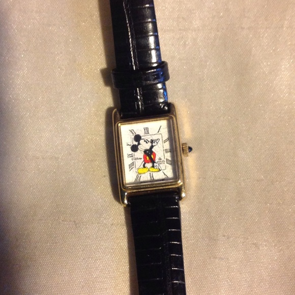 Vintage Disney Mickey Mouse Lorus Watch
