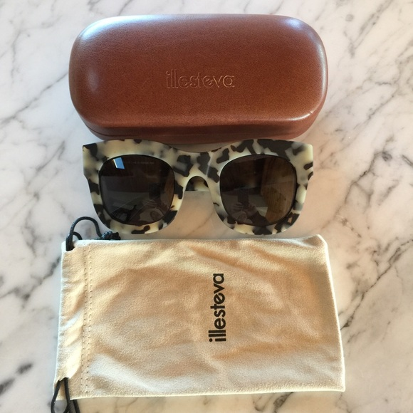 3c7a703a607e Illesteva Accessories - illesteva Hamilton Matte White Tortoise sunglasses