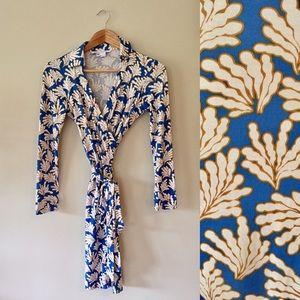 Diane von Furstenberg Dresses & Skirts - Diane von Furstenberg Jeanne Two Wrap Dress