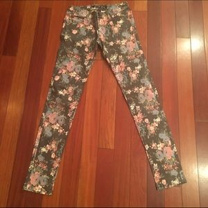 Celebrity Pink Denim - Celebrity Pink floral jeans, Juniors size 1