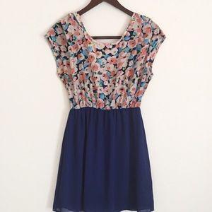 Maude Dresses & Skirts - Maude blue floral print casual dress