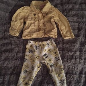 Nanette Baby Other - Cutest yellow jean jacket outfit!