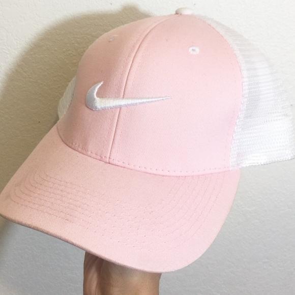 18eff53d731 Pastel Pink Nike Dad Cap. M 583e318c56b2d6d49902ee05