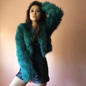 Motel Rocks Jackets & Blazers - 🍾HP🍾Motel Jungle Green Faux Fur Jacket