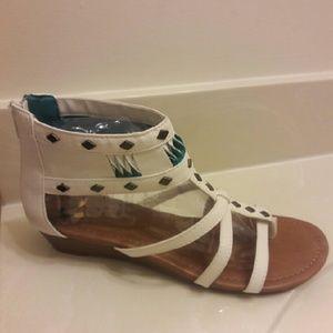 Shoes - New Sandal