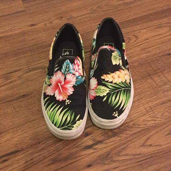 6c6e796e00 Vans Shoes - Vans Slip On - Hawaiian Print size 8.5