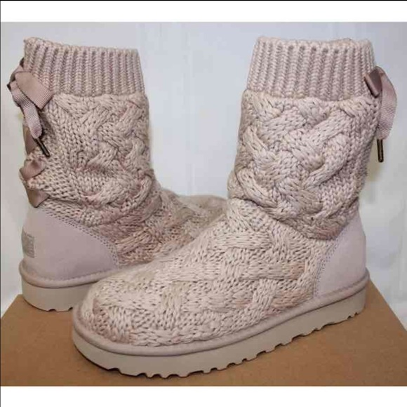 46b072b7ae8 NIB Rare Women's Ugg boots cream Isla Knit Lace up