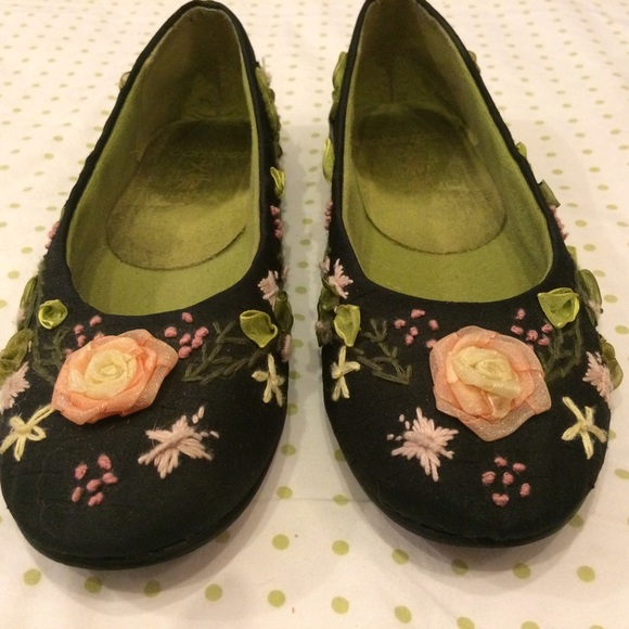 cffac0e68173 M 583e471a4225bedd03035936. Other Shoes you may like