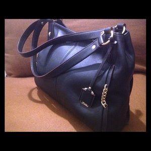 Perlina Handbags - Black leather bag