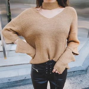 💞NEW💞Choker sweater with zips on elbow...
