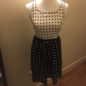 Band of Gypsies Dresses & Skirts - 💕Black and white dress with heart cutout on back