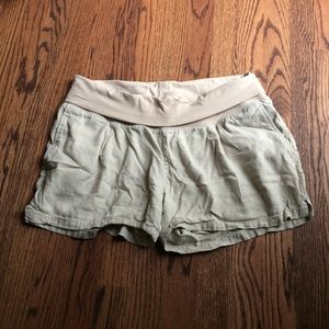 OLD NAVY linen blend maternity shorts