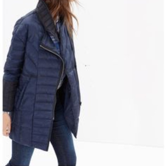 11367b0ac078f Madewell Jackets   Blazers - Madewell Quilted Down Coat XS NWOT navy blue  black