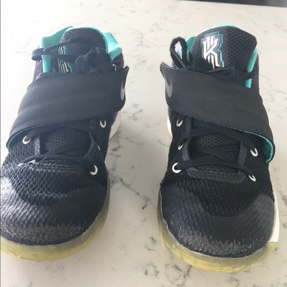 Boys Nike Kyrie Irving high tops little boy 13 1/2