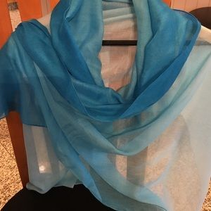 Bloomingdale's Accessories - BLOOMINGDALES OMBRÉ BLUE SCARF