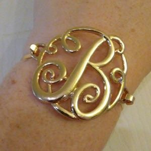 Jewelry - B Monogrammed gold colored clasp bracelet