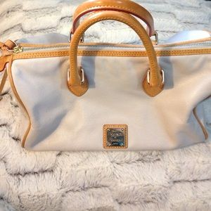 Dooney & Bourke white leather purse.