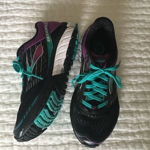 Brooks Shoes - Brooks Running Sneakers