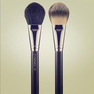 MAC In the spotlight 127 split fiber brush