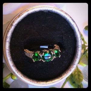 BOUTIQUE Jewelry - 💜🏆H.P.🏆EMERALD THREE STONE RING