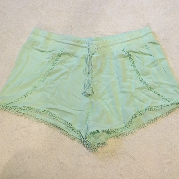 13% off No Boundaries Pants - Green Flowy Shorts from Cortnee's ...