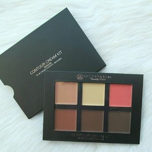 Anastasia Beverly Hills Other - Anastasia Beverly Hills Medium Cream Contour Kit