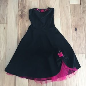 Ruby Rox Dresses & Skirts - Ruby Rox 50's inspired Strapless black prom dress