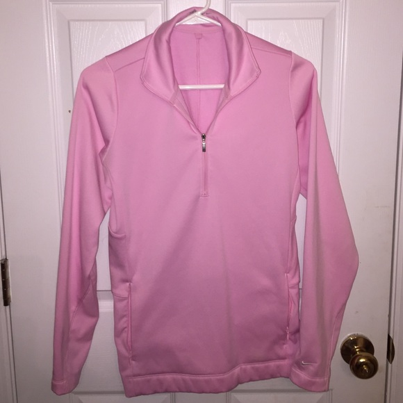 67 off nike tops light pink nike pullover from haley 39 s closet on poshmark. Black Bedroom Furniture Sets. Home Design Ideas
