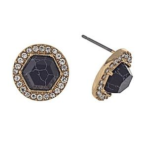 Jewelry - 🎹👂🏼Black Hexagon Post Earrings
