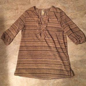 Printed neutral three quarter length blouse