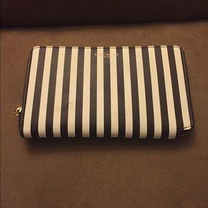 henri bendel Handbags - Fabulous Henri Bendel stripe XL wallet