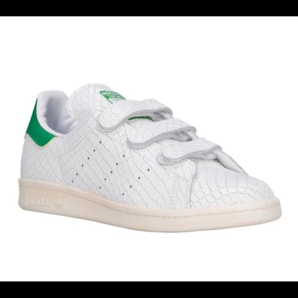 Adidas Stan Smith Velcro Sneakers. New Boutique