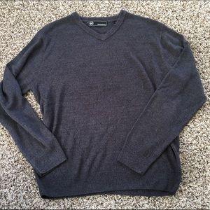 Weatherproof Other - Men's dark grey V-neck sweater