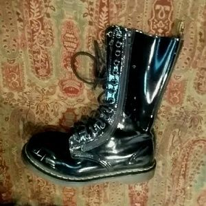 Dr. Martens shiny tall lace-up boots UK 6 US 8