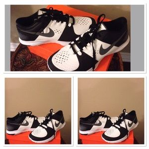 Brand New Men's Nike Size 10