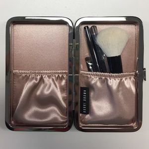 Bobbi Brown Other - Bobbi Brown Caviar & Oyster Mini Brush Set