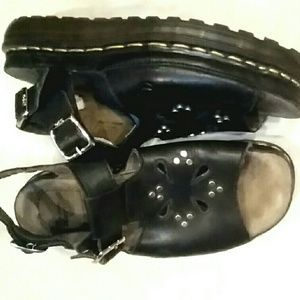 Dr. Martens * Quirky platform sandals! UK 8 US 9