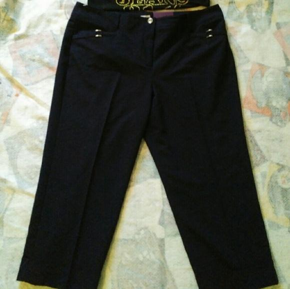 d4dae331d12 ⚡⚡Roz Ali Plus size 16 cropped slim Capri s black
