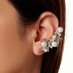 💎💕Earcuff and Stud set💕💎