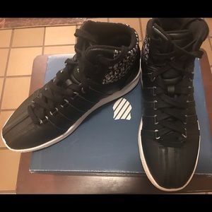 k swiss Shoes - Ladies Black Leather K Swiss Sneakers 👟