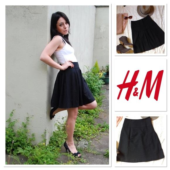 7e001fada H&M Skirts | Hm High Waisted Box Pleat Skirt Size 4 In Black | Poshmark