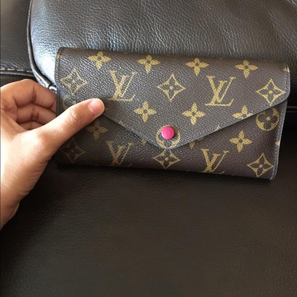 6596055185 Louis Vuitton Handbags - Louis Vuitton Josephine Wallet Color  Fuscia