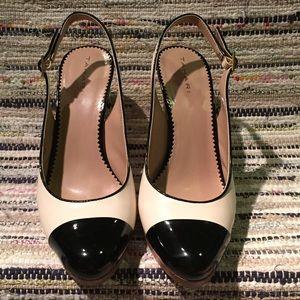 Tahari Shoes - Tahari Ivory & Black Heels